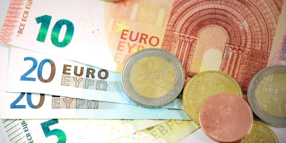 Euros billetes monedas