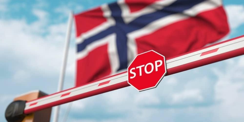 Noruega bandera barrera STOP