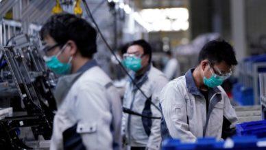 China - Trabajadores en una fábrica