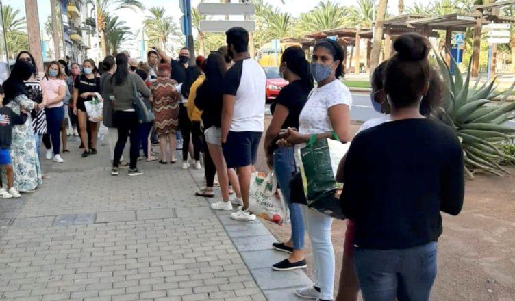 Canarias - Colas del hambre