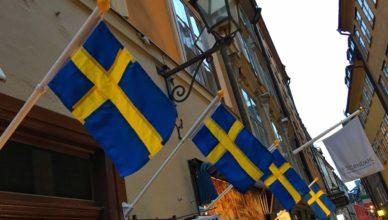 Suecia - Banderas calle