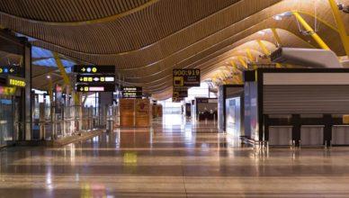 España turismo aeropuerto vacío